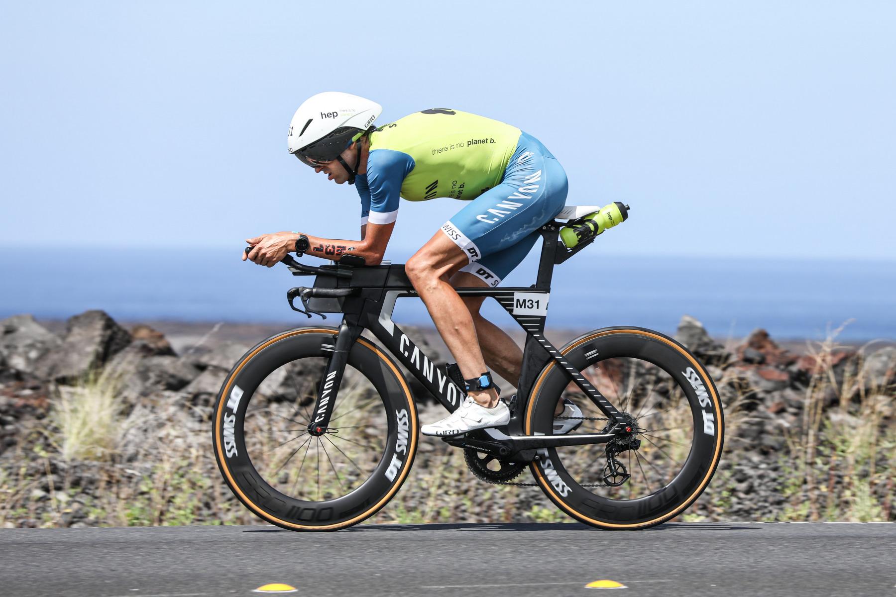 Auch Boris Stein ist gut dabei, steigt nach schnellster Radzeit aber bald auf der Marathonstrecke aus.