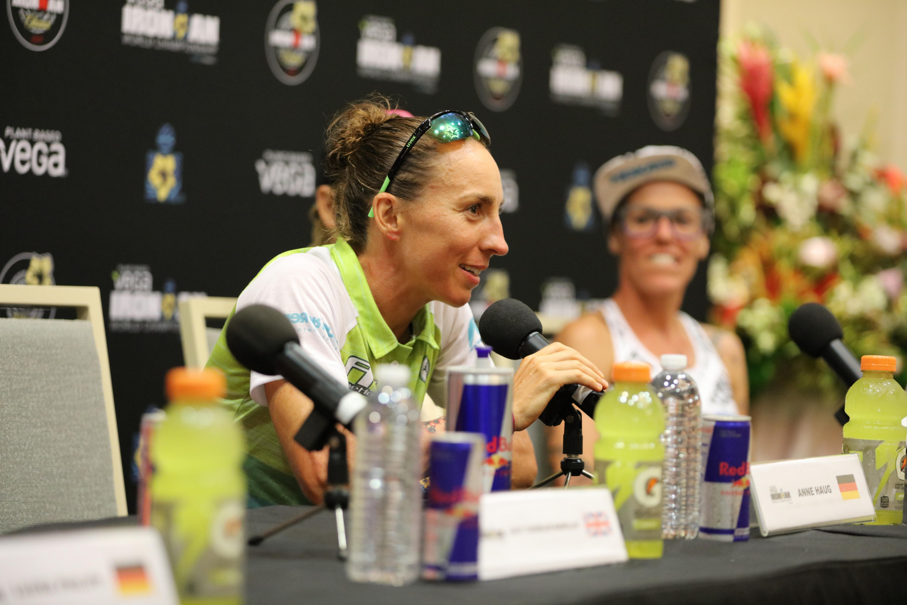 """Anne Haug (Ironman-Weltmeisterin 2019): """"Zum Glück habe ich es in die erste Schwimmgruppe geschafft. Dadurch hat man mehr  taktische Optionen, als wenn man von Anfang an reagieren muss. Auf dem Rad musste ich nach Hawi ordentlich kämpfen."""""""