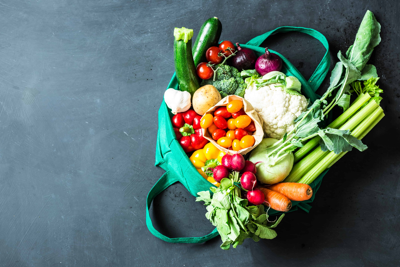 Gemüse in Einkaufstasche